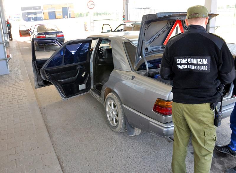 Россиянина, не вернувшего машину в немецкий прокат, задержали на переходе в Голдапе