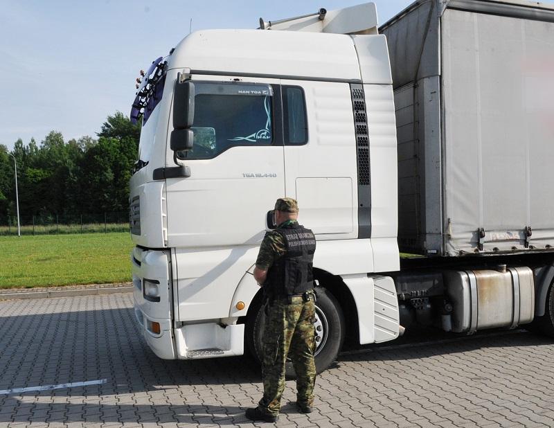 Калининградец пытался въехать в Польшу на грузовике DAF, украденным в Испании. Не получилось